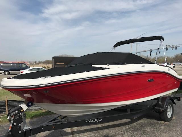 Sea Ray SPX Series SPX 210