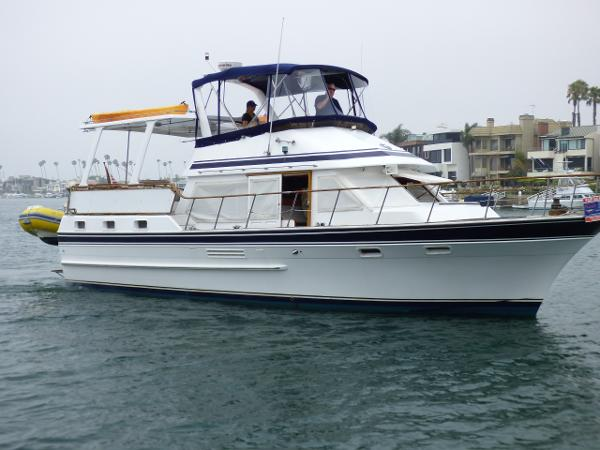 Spindrift 40 Starboard Profile