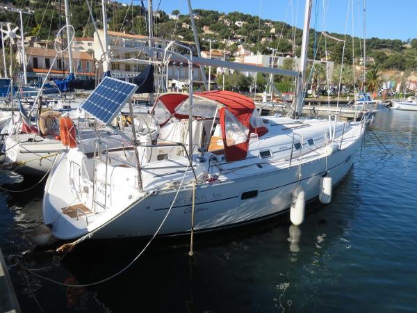Beneteau Oceanis Clipper 361 Beneteau Océanis 361 Clipper (4)