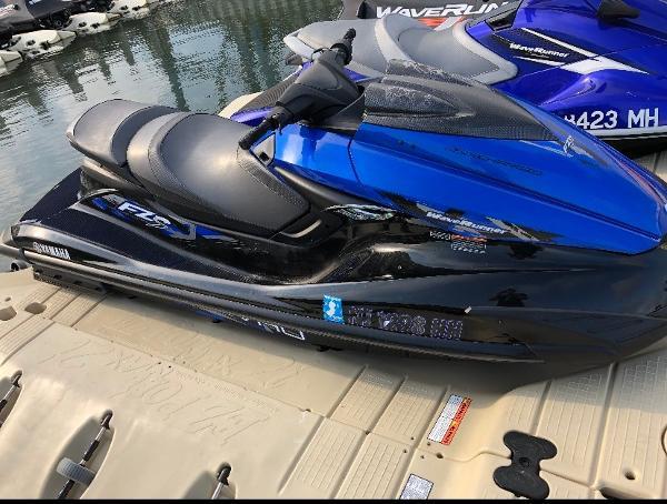 Yamaha WaveRunner FZS