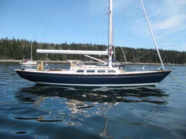 Morris Yachts M42 Photo 1