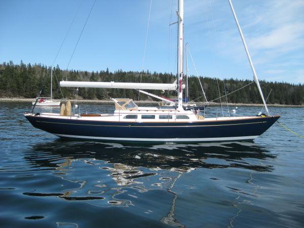 Morris Yachts M42 Photo 1