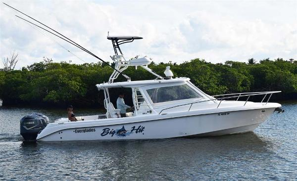 Everglades 350 LX Profile
