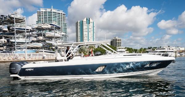 Intrepid 400 Sport Yacht