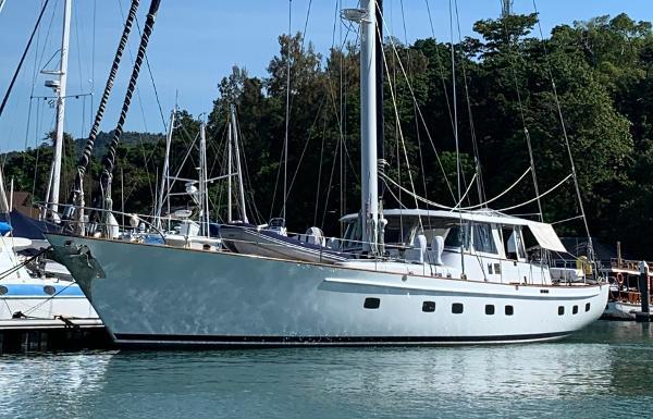 Palmer Johnson Custom 87ft Sail Profile