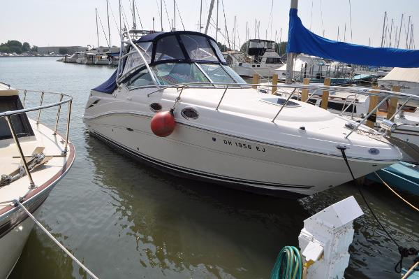 Sea Ray 270 Amberjack Starboard Side
