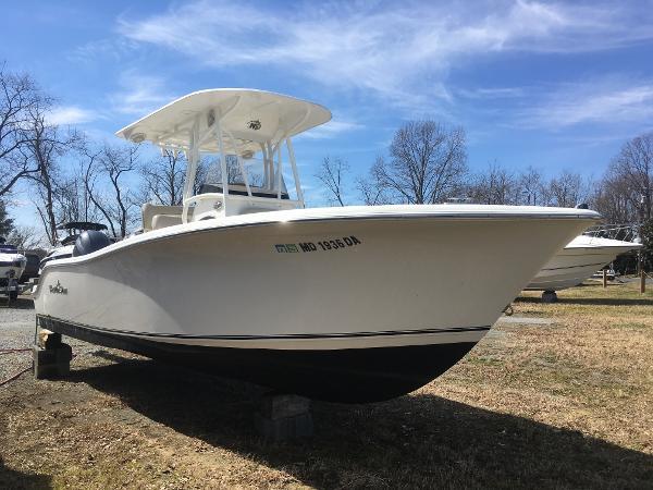 NauticStar 2500XS Starboard Bow