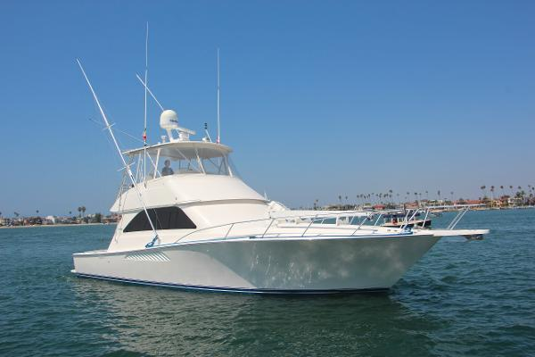 Viking 45 Convertible Starboard Bow
