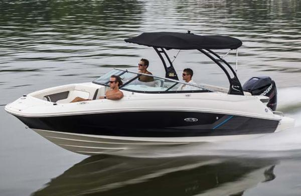 Sea Ray 220 Sundeck Outboard Manufacturer Provided Image