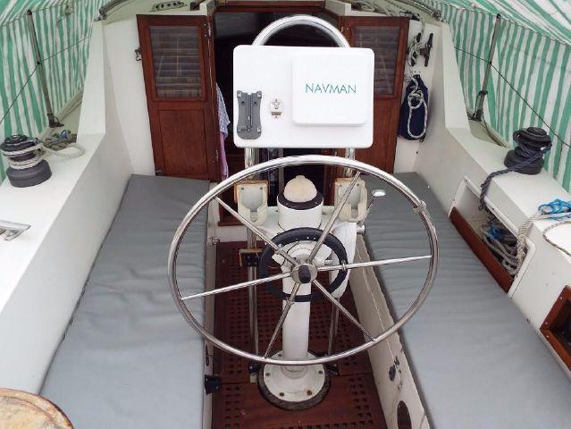 Exterior wheel steering.