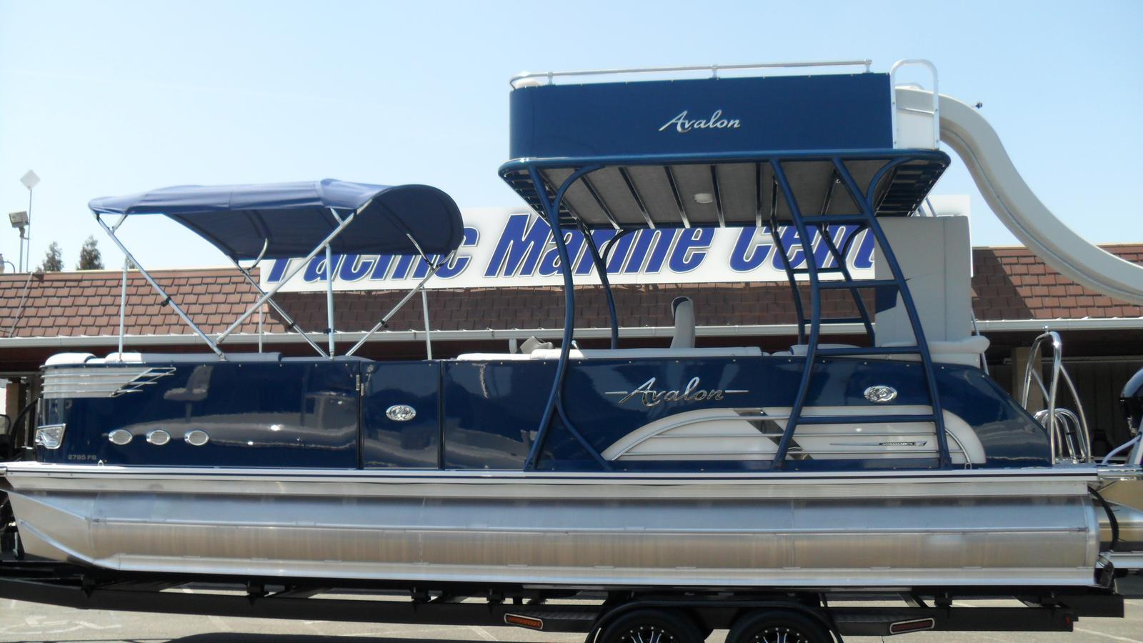 Avalon Ambassador Cruise Funship 27'