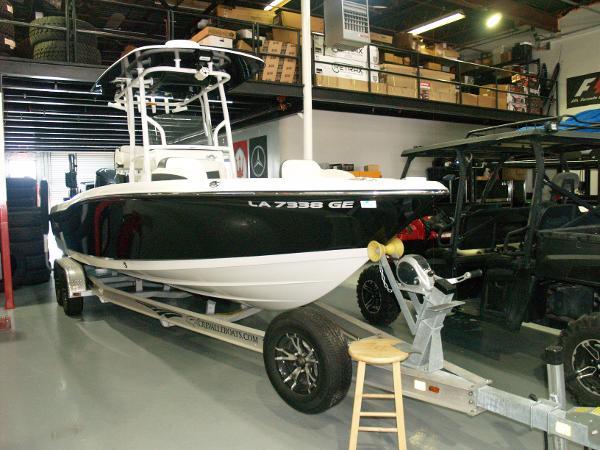 Crevalle Bay Boat/Open Fisherman