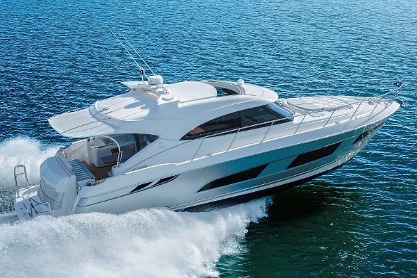 Riviera 4800 Sport Yacht