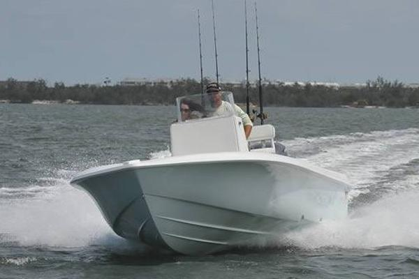 Contender 25 Bay