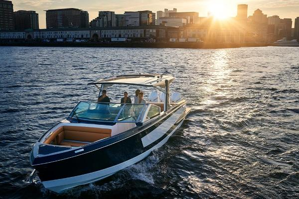 Aviara AV36 Outboard