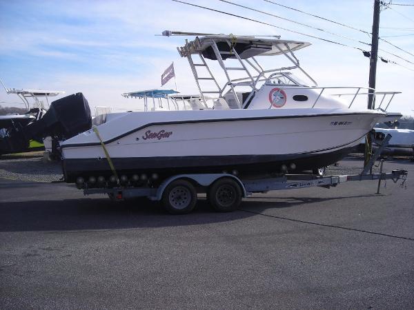 Angler Boats 2500wa