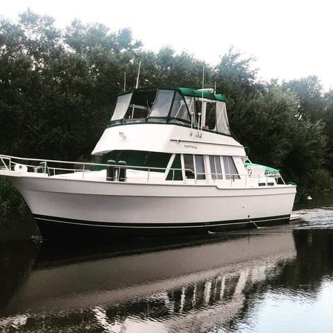 Mainship 3 Stateroom 430 Trawler