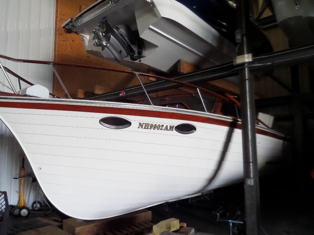 Windsor Craft 31 Picnic Boat