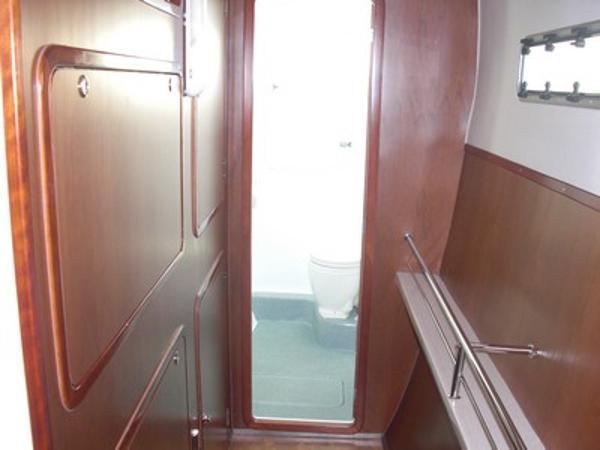 FastCat 445 starbord hull