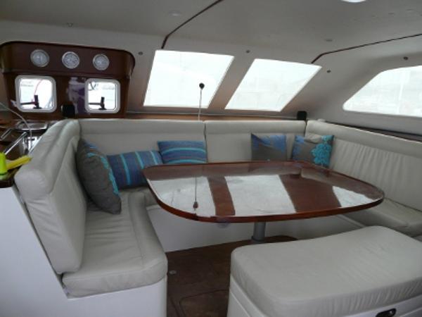 FastCat 445 U-shape seat