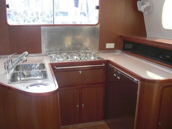 FastCat 445 U-shape kitchen