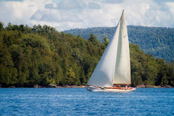 Herreshoff Buzzards Bay 30 Mashnee under sail with new near masthead rig