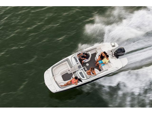 Bayliner Deck Boat 190
