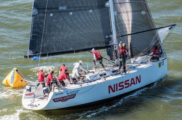 Sinergia 40 (ex Nissan, ex Datacom) Sinergia 40 sailing