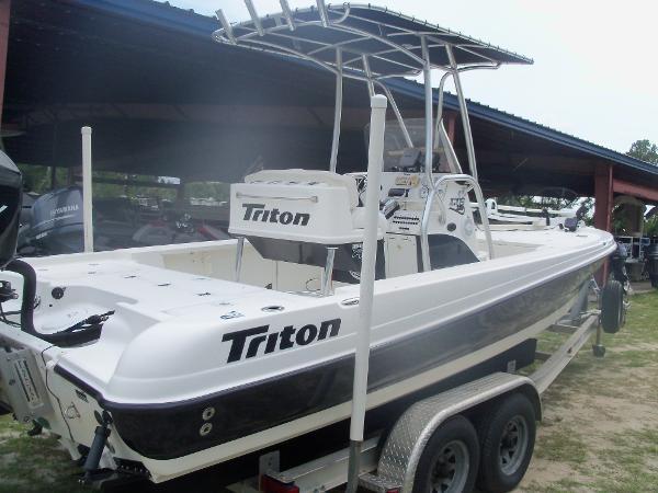 Triton 220 LTS
