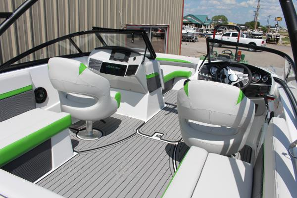 Hurricane Sun Deck 217