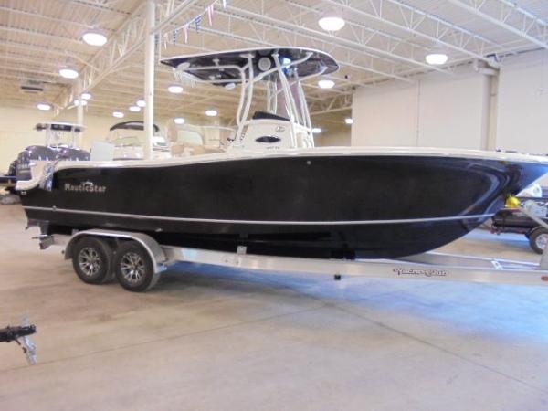 NauticStar 2500 Offshore