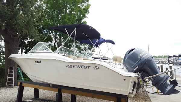 Key West 211 Dual Console