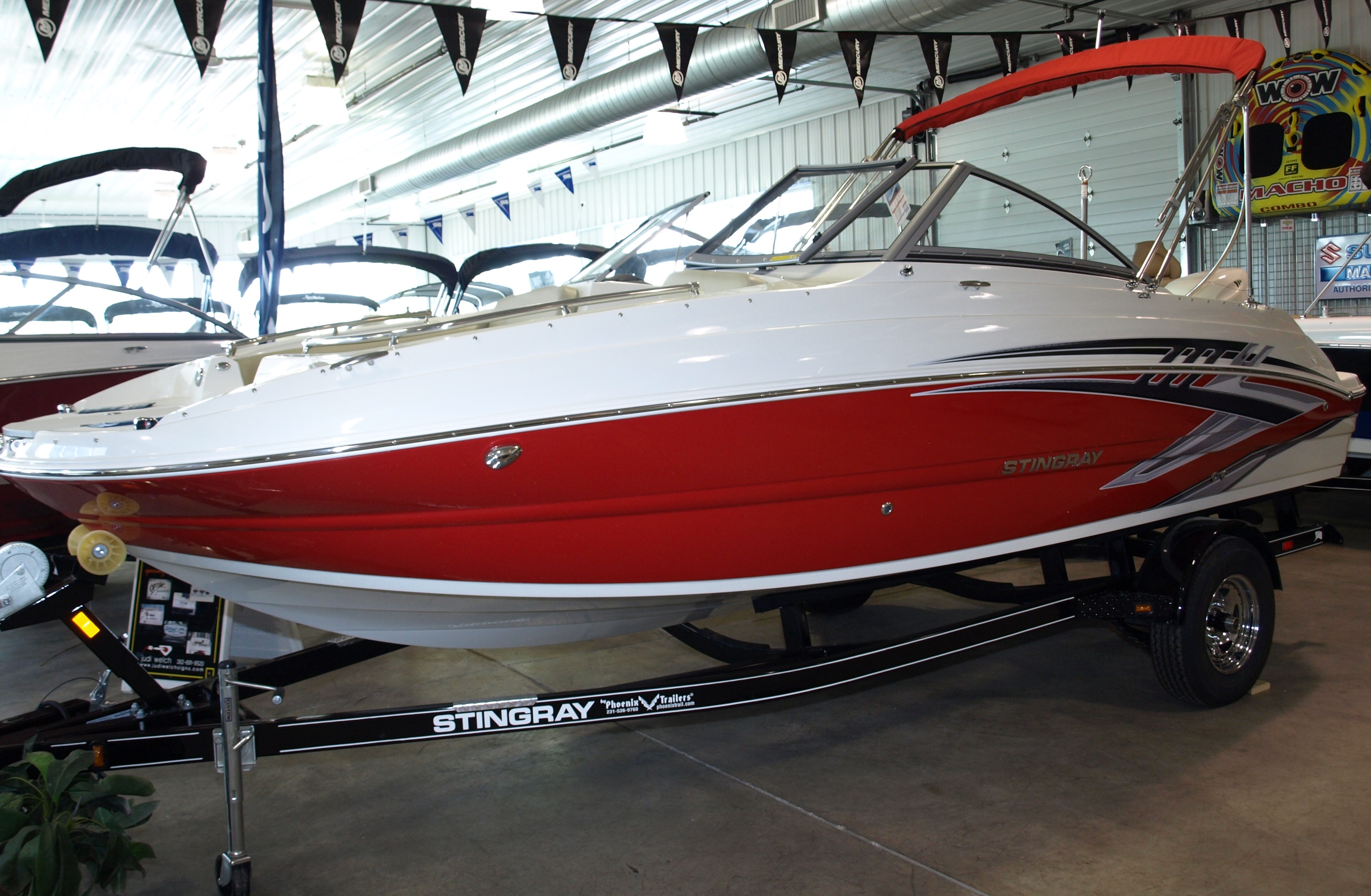 Stingray 201 DS DUAL CONSOLE DECK BOAT