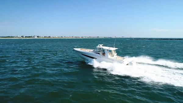 Boston Whaler 420 Outrage