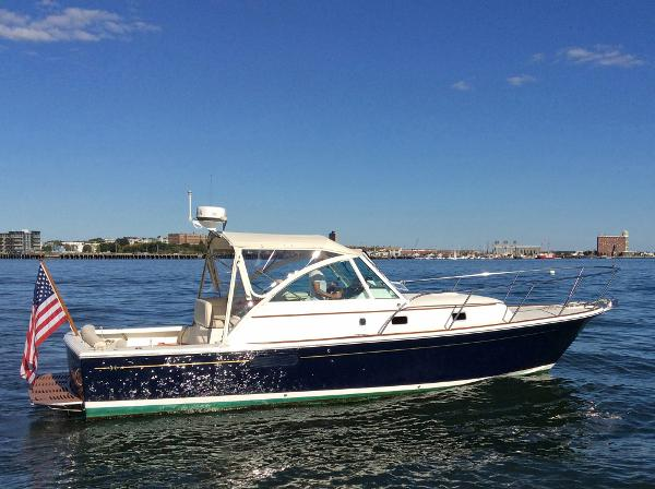 Hunt Yachts Surfhunter 33 REMEDY