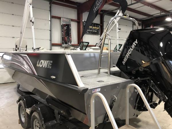 Lowe Boats SD224