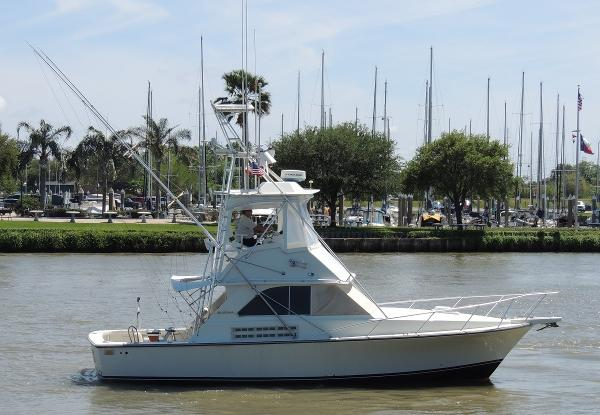 Bertram 35 Custom Sport Fish