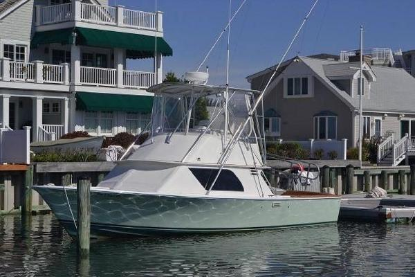 Blackfin 32 Flybridge Profile