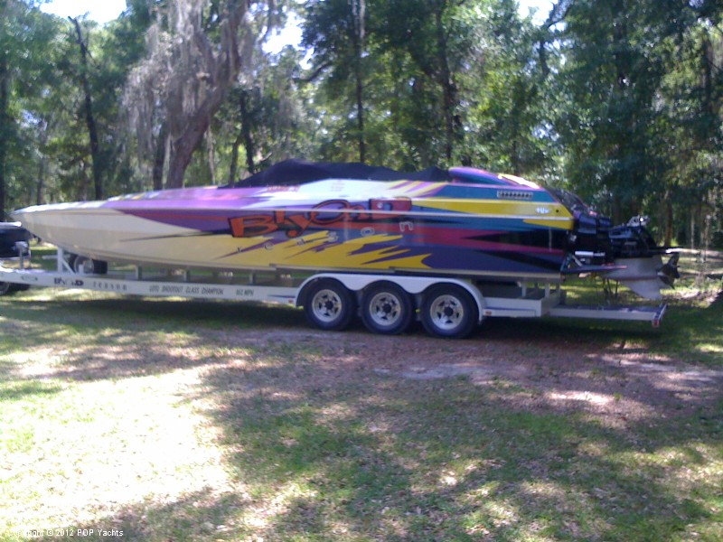 2000 Skater 32 for sale in Largo, FL