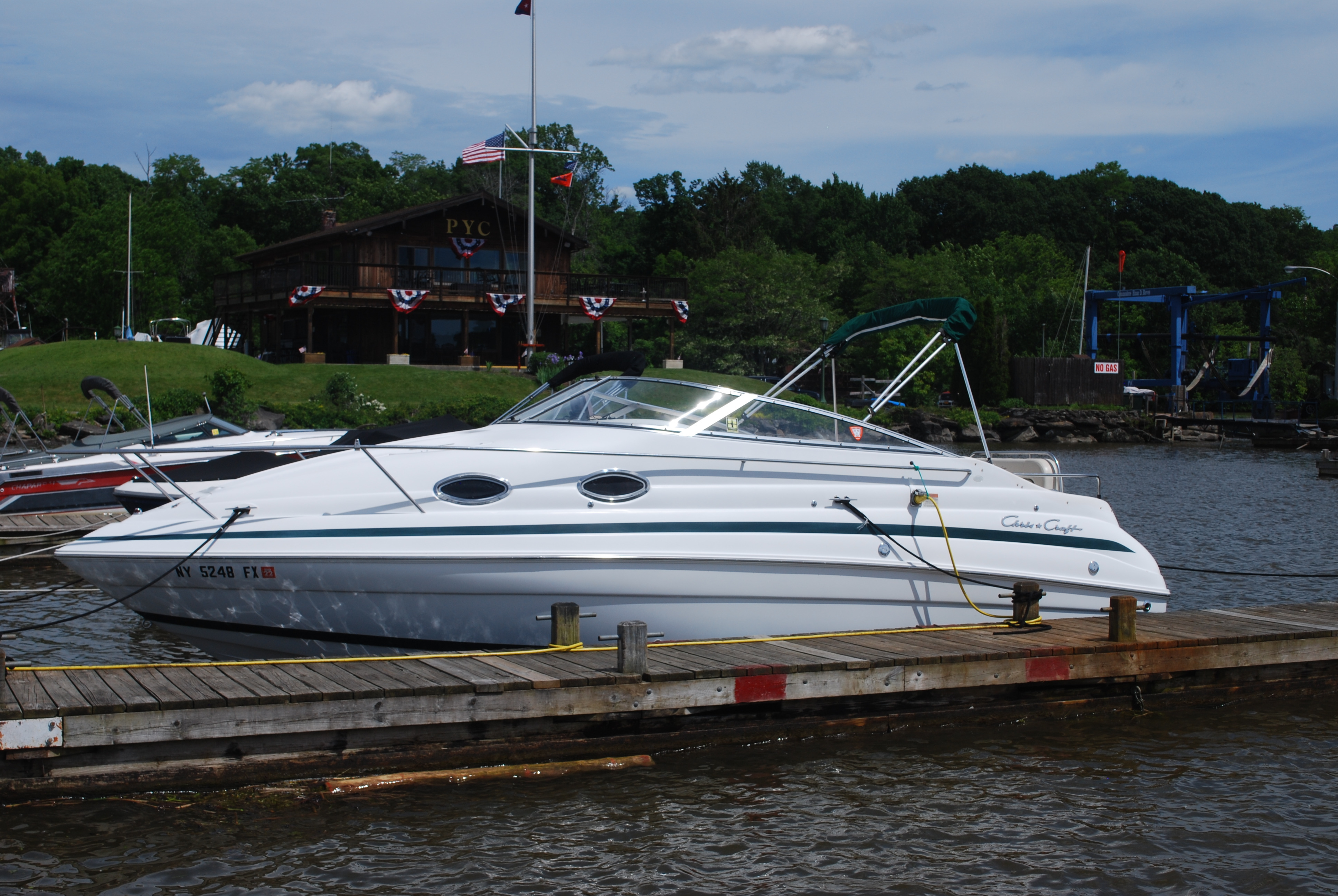 Chris-Craft 248 Express Cruiser