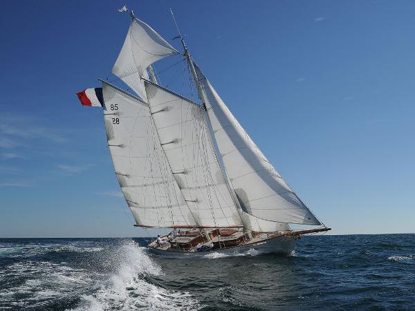 Custom Chantier HERVE - Goëlette DIVA AYC Yachtbroker - Goëlette Diva