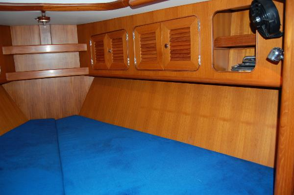 V Berth Starboard side
