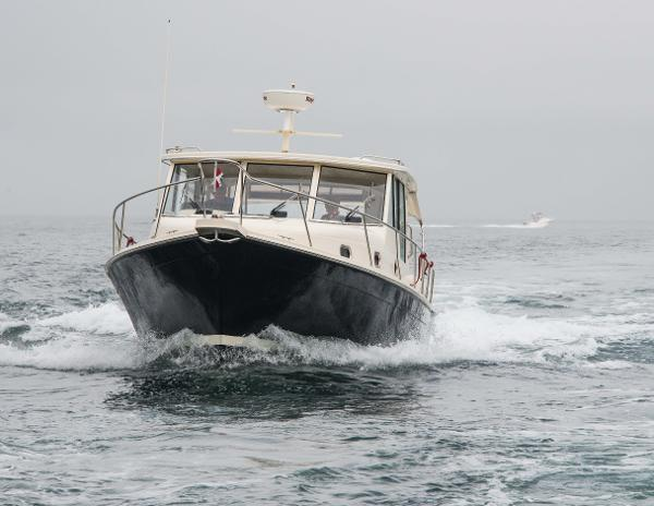 Mainship Pilot 34 Sedan