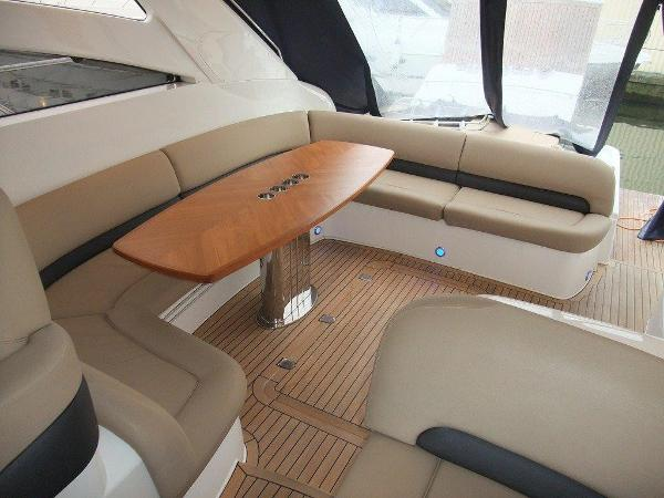 Princess V58 - Cockpit Seating