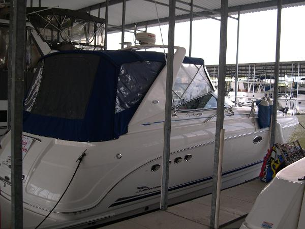 Chaparral 350 Signature Starboard Side Aft