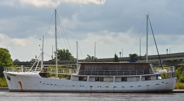 Hatlos Verkited canoe stern - gilnetter 1957 Haltos Verkited starboard bow to stern