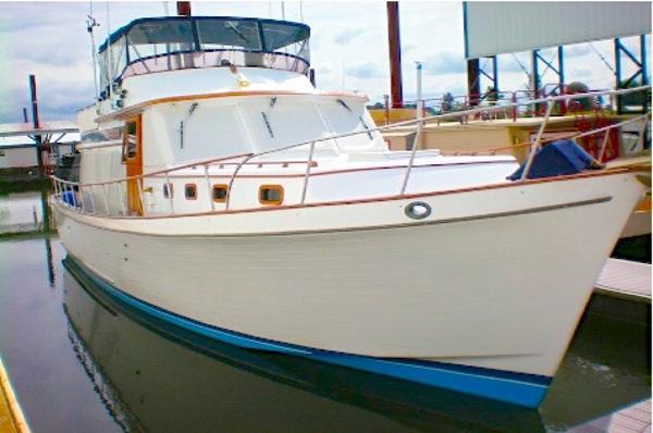 CHB 45 Pilothouse Trawler main