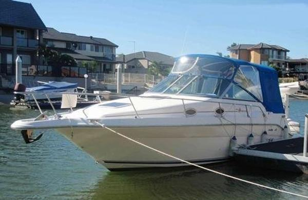Sea Ray 270 Sundancer (available)
