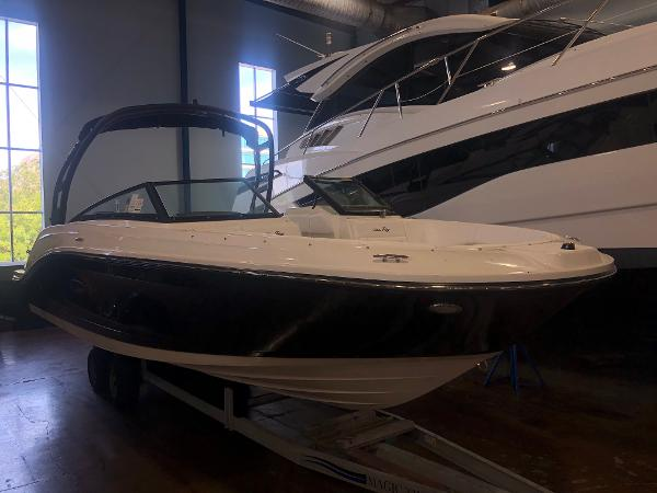 Sea Ray SPX 230 Outboard