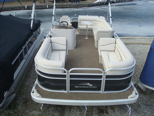 Bennington S Series 24 SL